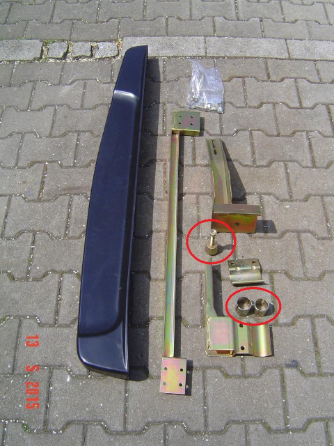 SuzukiJimny3-OEMaccessory99000-990YB-776-sidestepsplastic-unmounted-E01.jpg